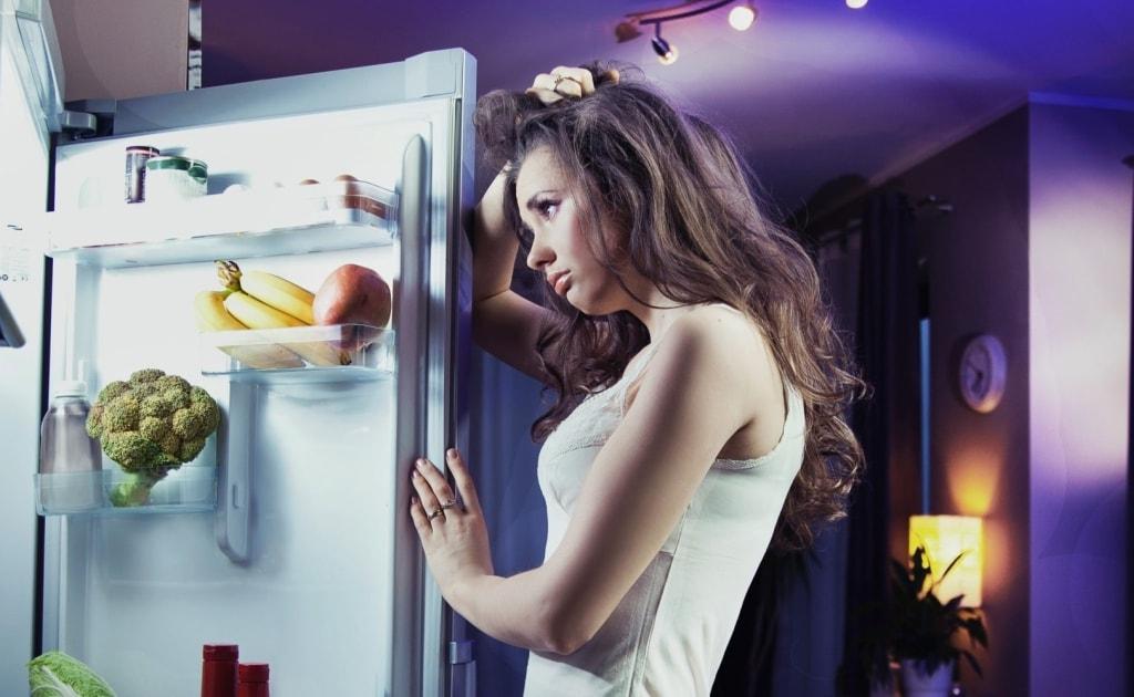 Jantar engorda, o que você come à noite pode atrapalhar o emagrecimento?