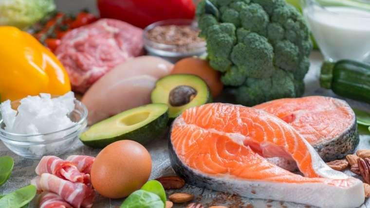 Como controlar a fome excessiva durante a dieta?